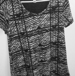 Black and white LuLaRoe Shirt